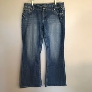 Maurices Women's Denim Jeans Size 13/14 Short
